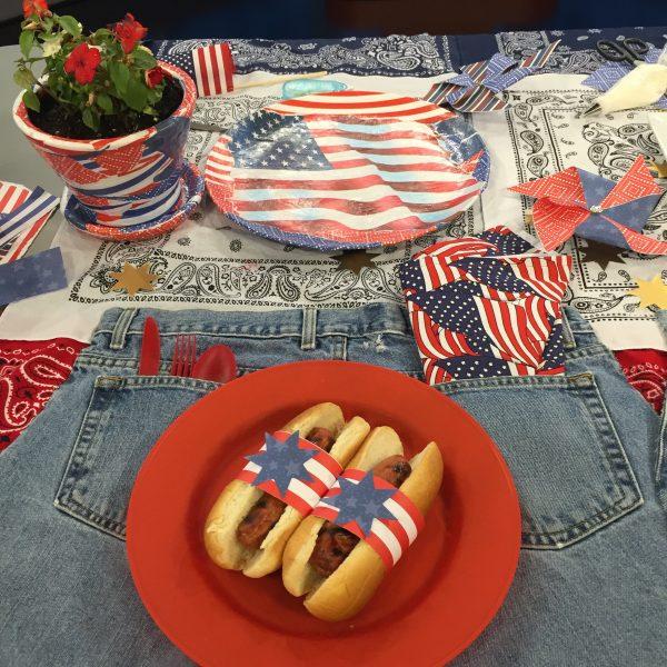 Americana Table Setting
